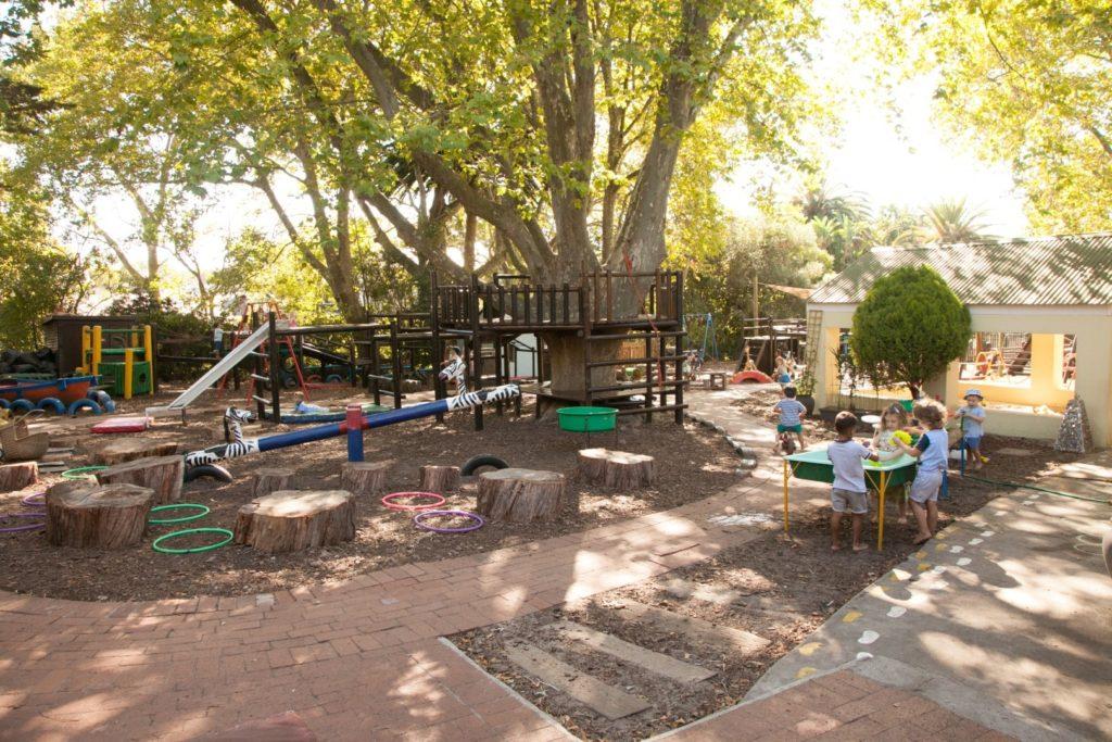 Outside play area (6)